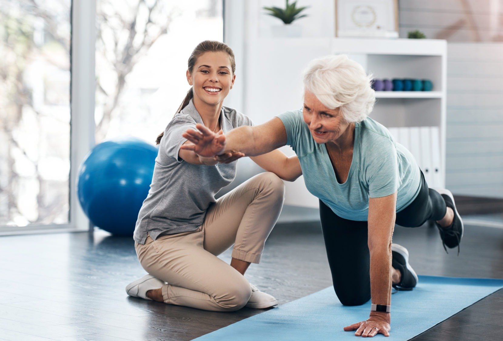 woman workingOut exercise rehabilitation rehab physicalTherapy GettyImages 1147930007 e1574886934123